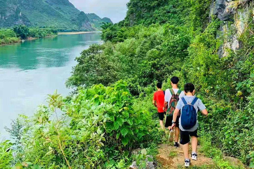 hiking_副本